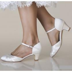 Sapatos noiva salto baixo e grosso