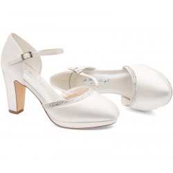 Sapatos noiva biqueira redonda e salto grosso