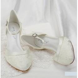 Sapatos noiva renda e salto baixo