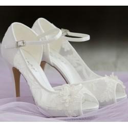 sapatos noiva renda y saltos altos