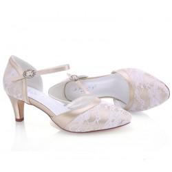 Sapatos noiva dourados com renda