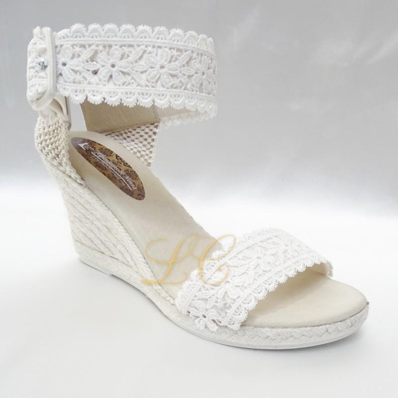 Sandalia para Noiva tipo Alpargata com Salto de Cuña de Renda e Cetim