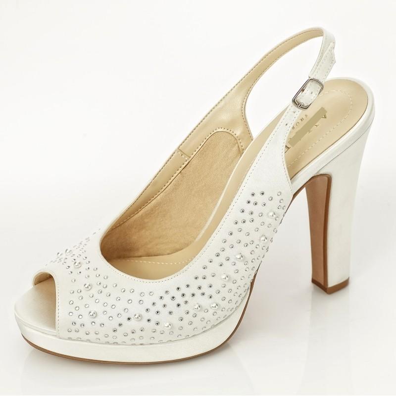 Sapatos de noiva salto grosso