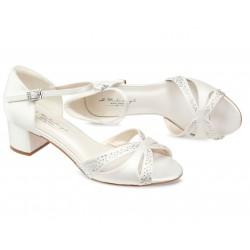 Sapatos baixos elegantes para noivas