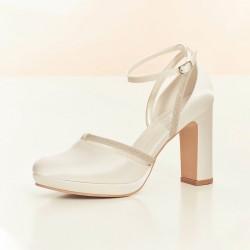 Sapatos salto alto para noivas